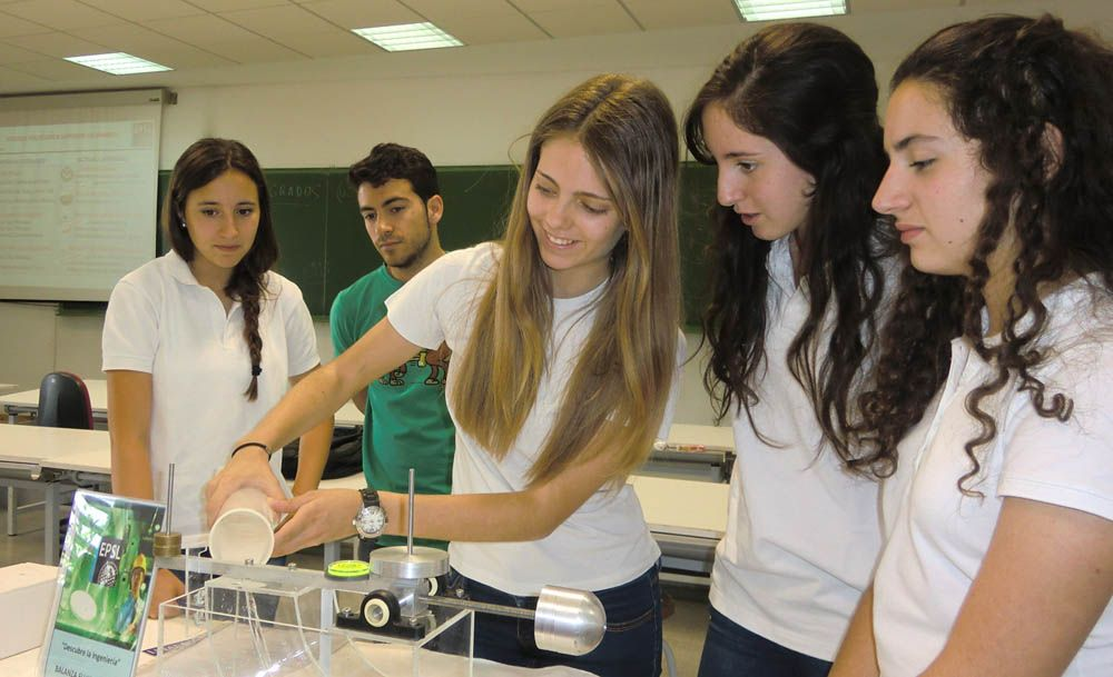 Estudiantes de 4º de ESO del IES Sagrado Corazón de Linares se acercan a las Ingenierías