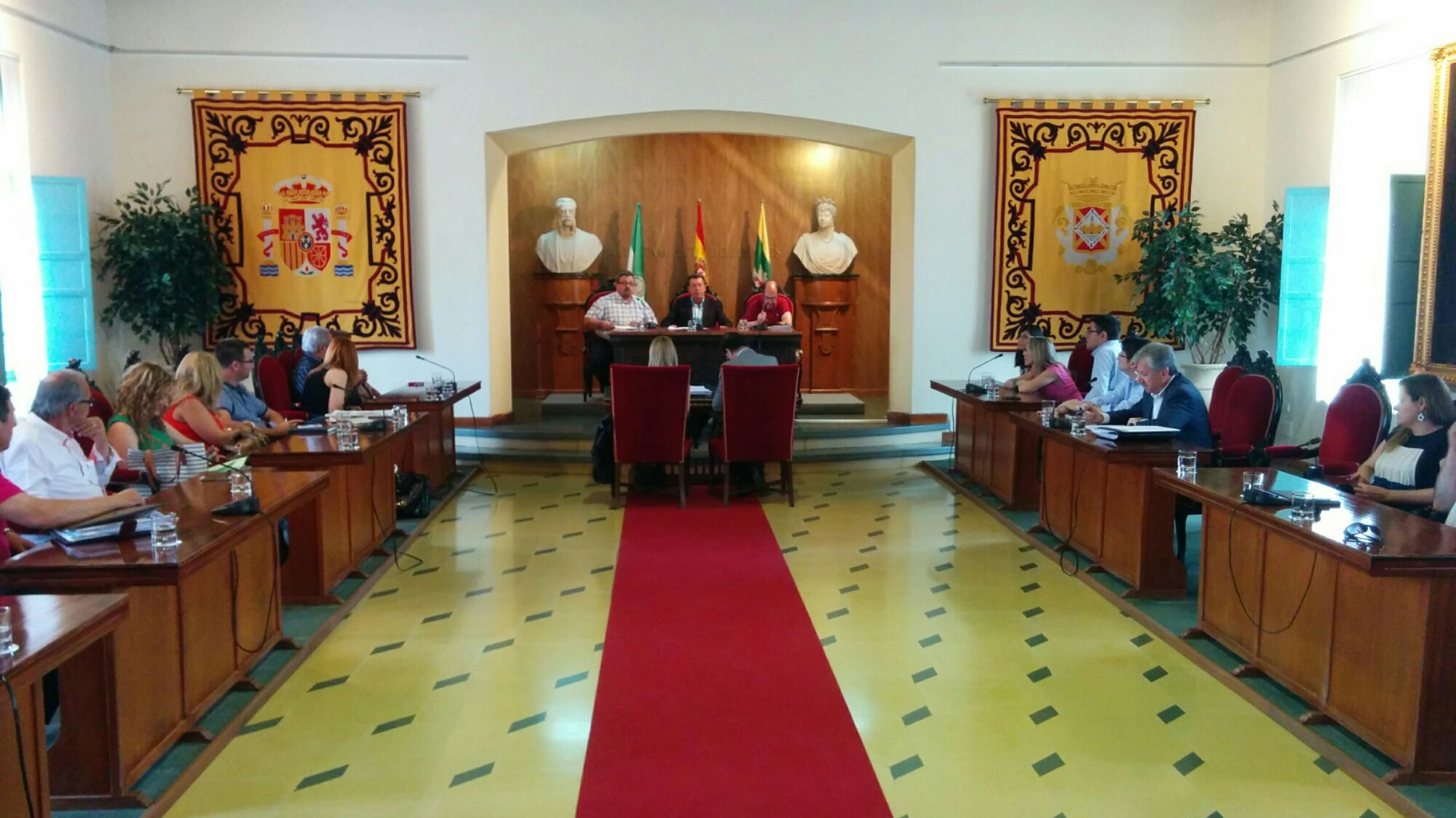 Comienza el Pleno Extraordinario del Ayuntamiento de Linares