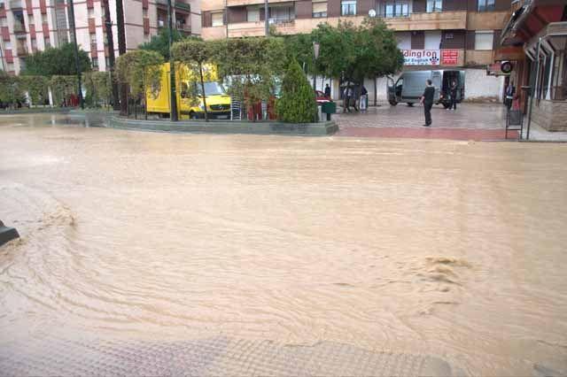 El Ayuntamiento prevé iniciar en 2015 nuevas actuaciones contra las inundaciones