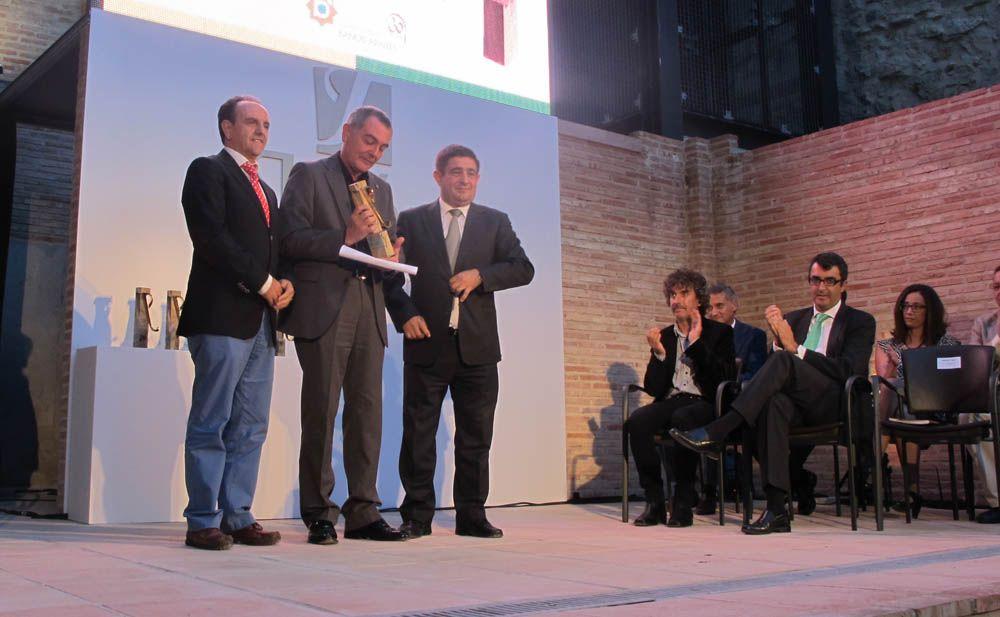 """Forum MMX recoge su premio """"Jaén, paraíso interior"""""""