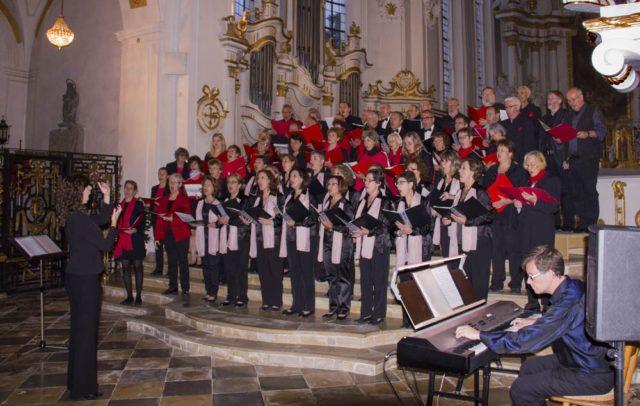 Coral Andres Segoia y Coro Aleman
