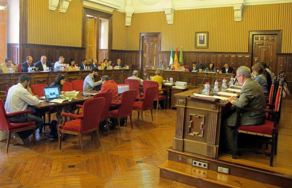 El Pleno de la Diputación da más plazo a los consistorios que no han ejecutado los 12,8 millones del Plan de Obras y Servicios de 2012
