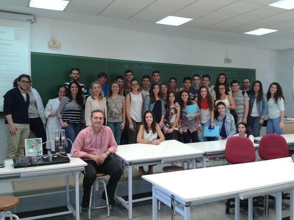 Una treintena de estudiantes de Bailén participan en los talleres sobre Ingenierías de la EPS de Linares