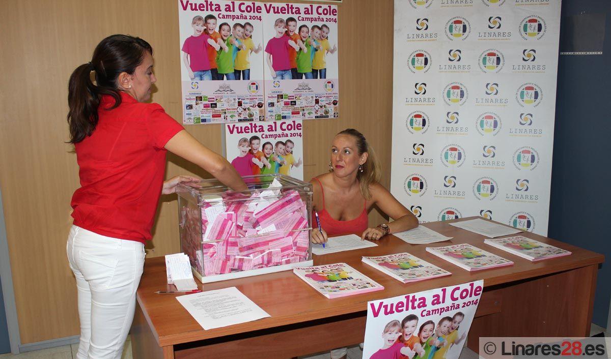 ACIL sortea sus regalos de la Campaña de la Vuelta al Cole
