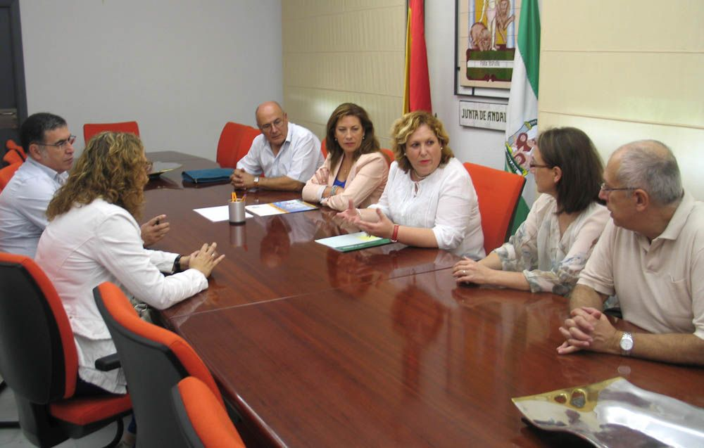 La Junta colabora con el Comedor Social de Linares