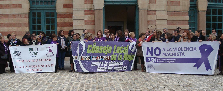 Linares reclama la aplicación efectiva de medidas de protección a las víctimas de violencia machista