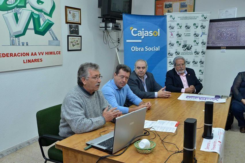 El alcalde presenta un proyecto de plataforma ciudadana digital a las asociaciones vecinales