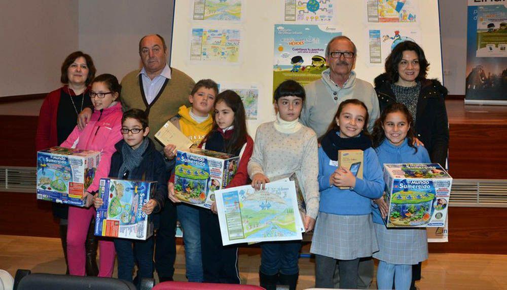 Dos escolares de Linares, ganadores y cinco finalistas, en el Certamen Internacional de aqualia