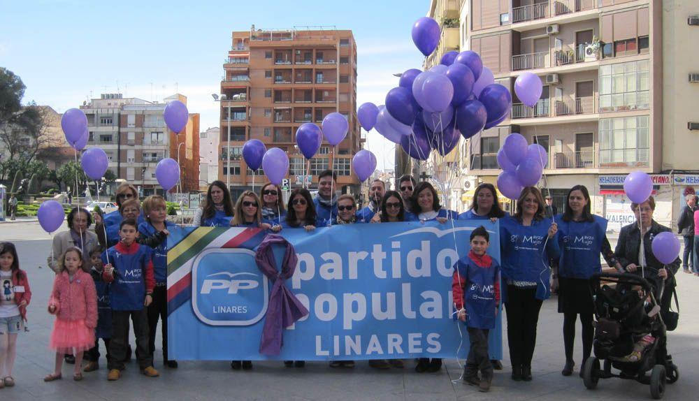 """PP: """"Multitud de linarenses conmemoran el Día de la Mujer participando en las actividades organizadas por el Partido Popular"""""""