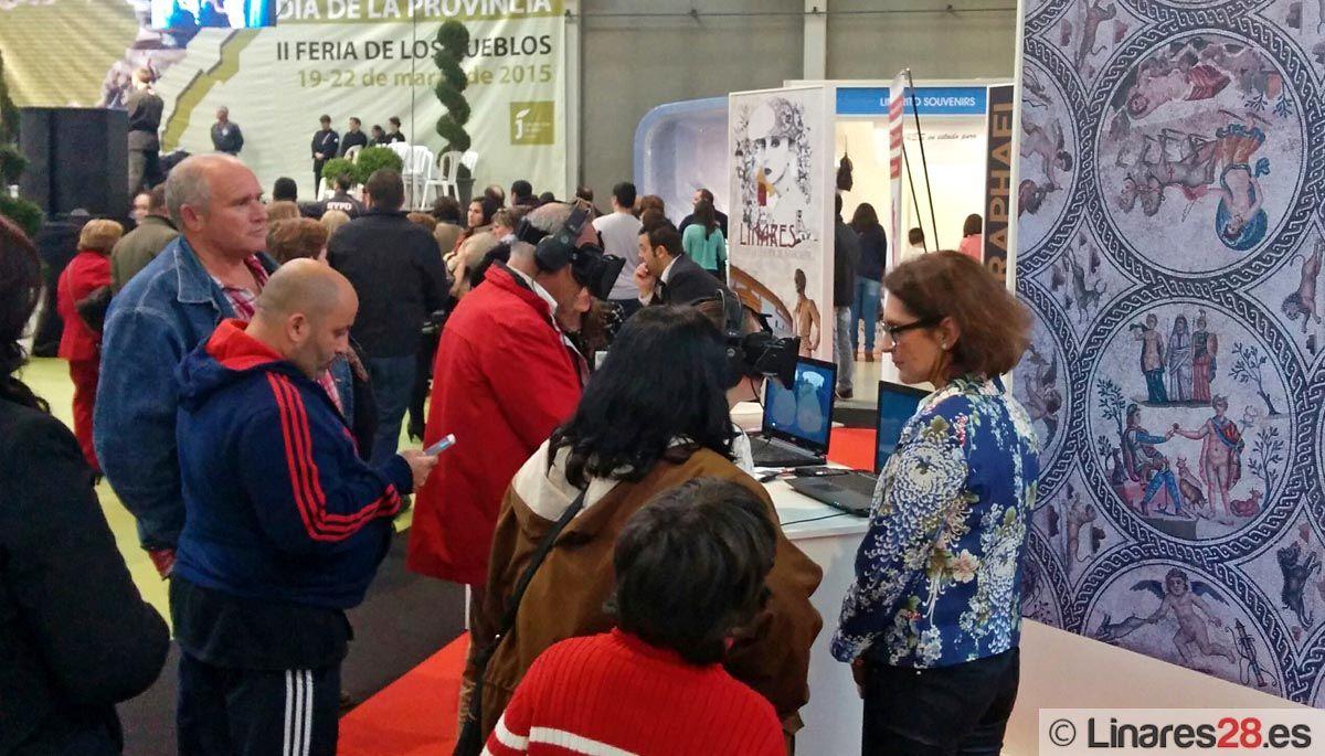 Cerca de un millar de personas visitan el stand de Linares en la II Feria de Los Pueblos de Jaén