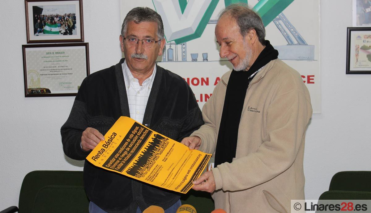Recogen firmas para implantar una renta de inclusión social en Andalucía