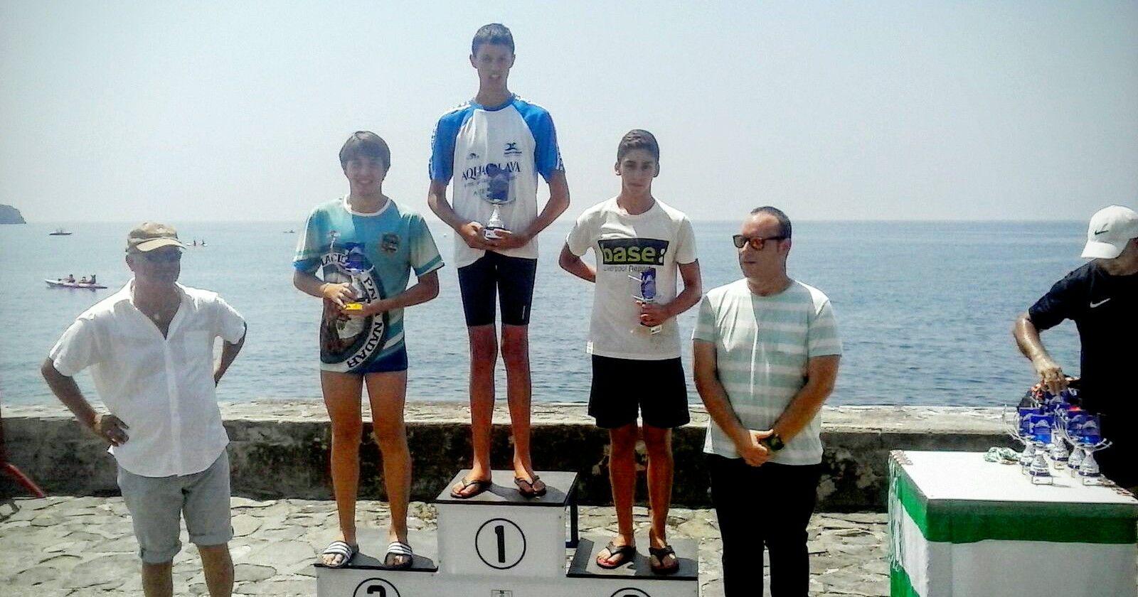 Éxito del Club Natación Linares en Salobreña