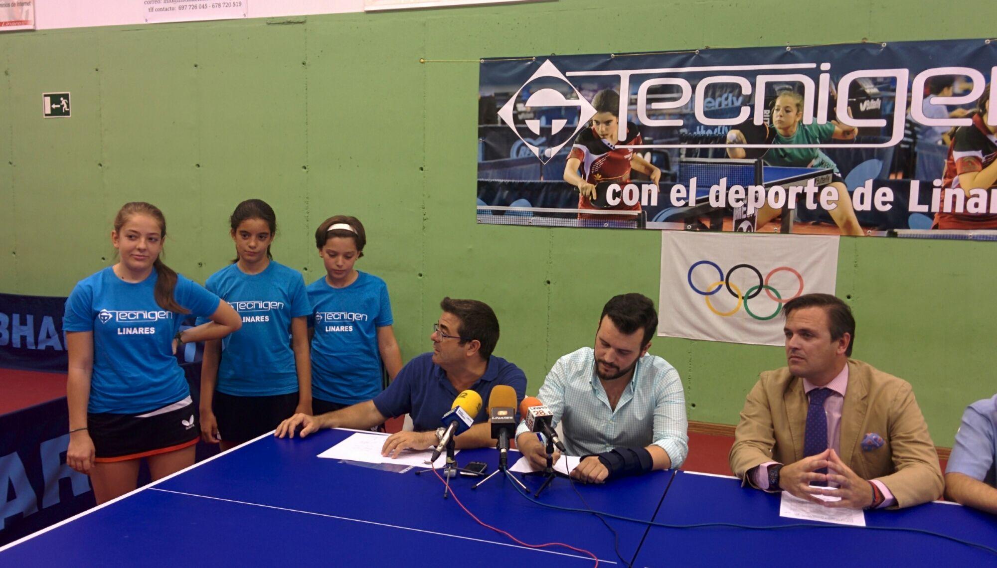 En estos momentos rueda de prensa del Club Tenis Mesa de Linares