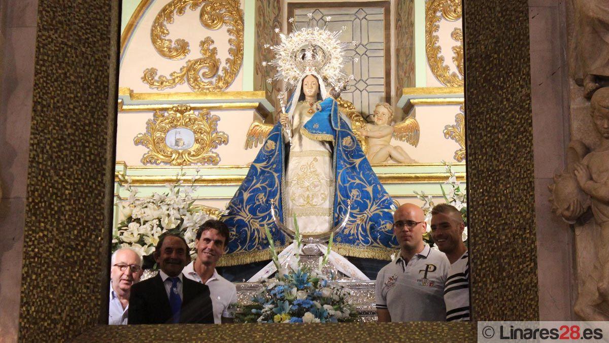 Ofrenda floral del Linares Deportivo a la Patrona