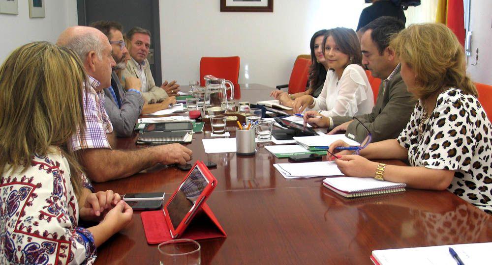 Ana Cobo preside la reunión de los delegados del Gobierno andaluz donde  se han sentado las líneas generales de acción para los próximos meses