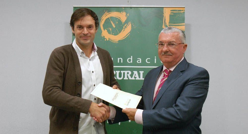 El Club Voleibol de Linares firma de un convenio con la Fundación Caja Rural de Jaén