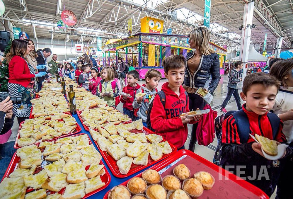 Feduca celebra su tradicional desayuno saludable en el que han participado más de 1.000 escolares