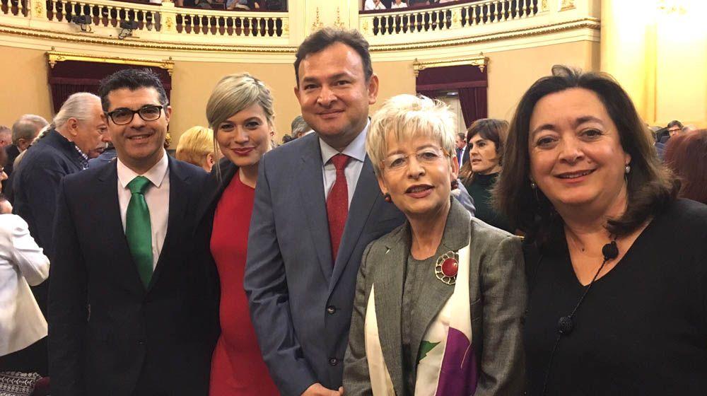 Laura Berja toma posesión de su escaño en el Senado