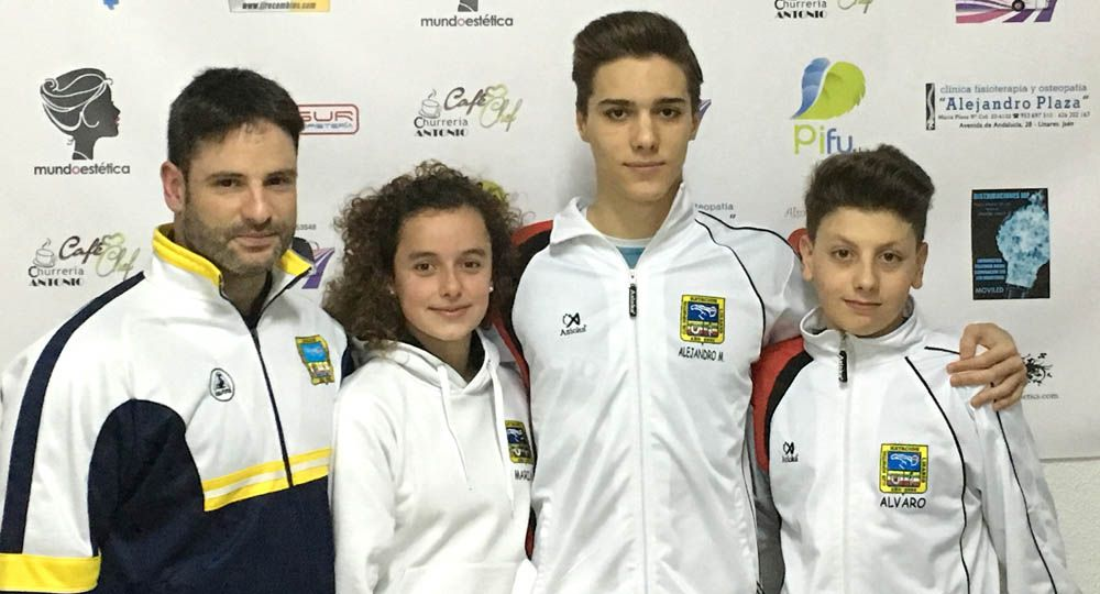 Buen papel del Club Natación Linares en el Campeonato de Andalucía Alevín de Invierno