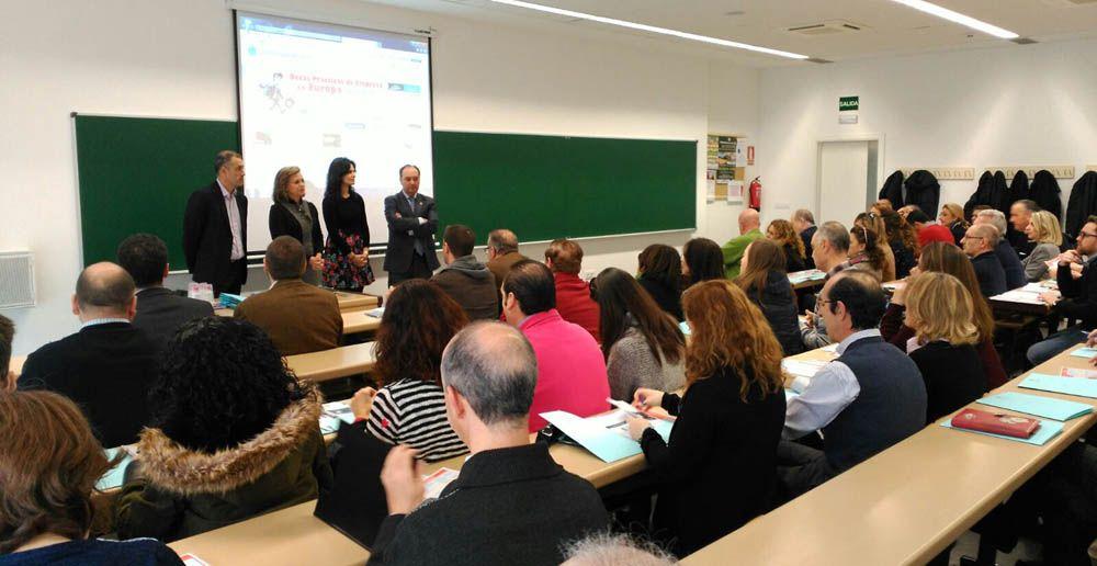 La UJA muestra su oferta de títulos de Grado a los equipos directivos y orientadores de centros de Educación de Secundaria de la provincia en el Campus Científico-Tecnológico de Linares
