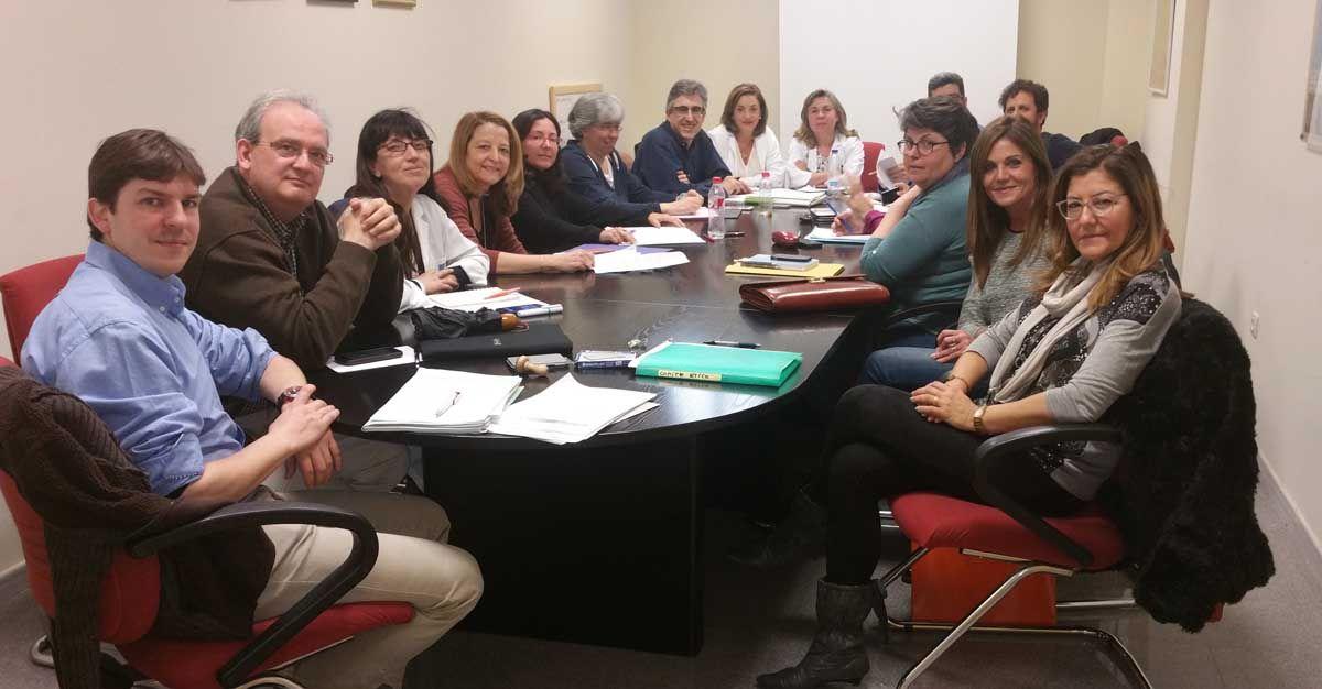 El Comité de Ética Asistencial del área sanitaria de Linares divulga su labor entre colectivos ciudadanos y de profesionales sanitarios
