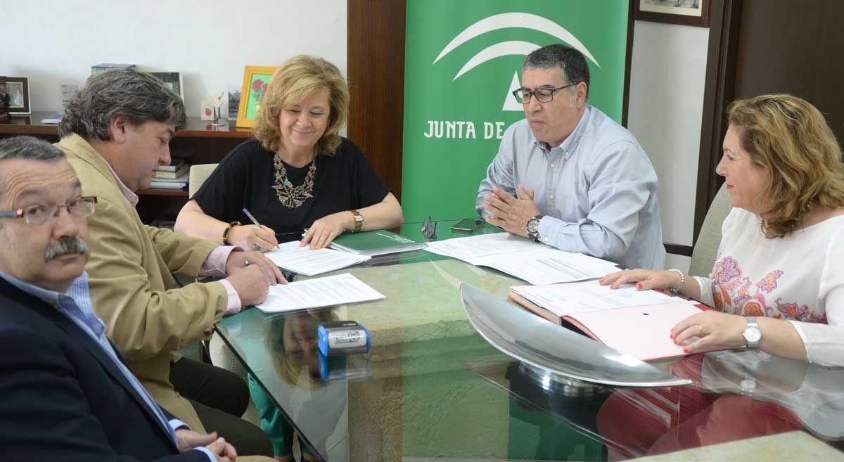 Los alumnos del colegio 'SAFA' podrán hacer sus prácticas en dos centros residenciales de la Junta en Linares