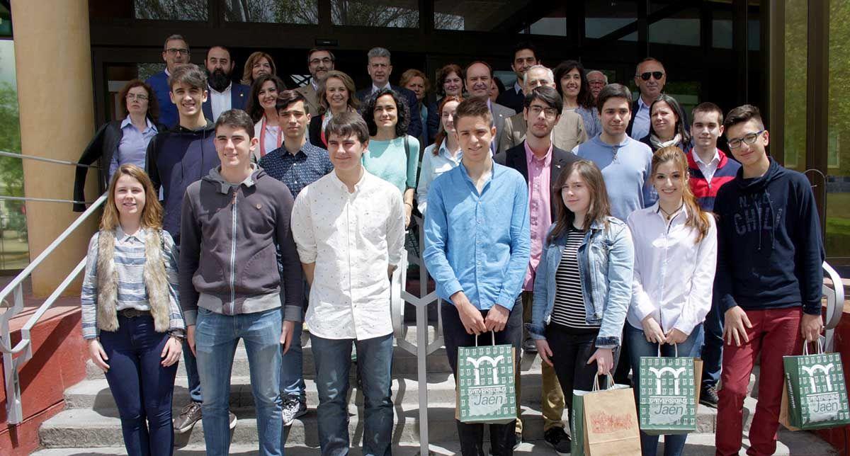 La UJA reconoce a alumnos linarenses en la fase provincial de las Olimpiadas de Matemáticas, Física, Química y Geología
