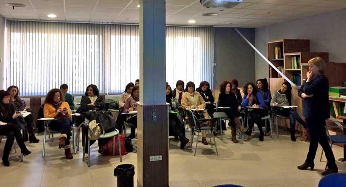 Los trabajadores sociales del Área Sanitaria de Linares atendieron a 34.883 pacientes durante el año pasado