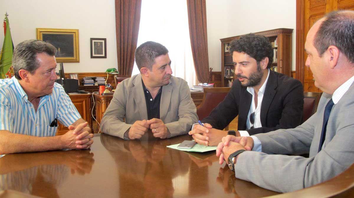 Diputación mantiene su compromiso de esponsorización del Linares Deportivo para la próxima temporada