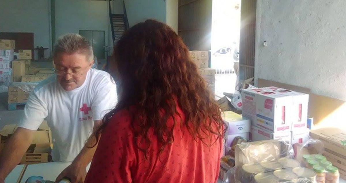 Cruz Roja Linares reparte en torno a 18.000 kg de alimentos no perecederos entre familias con necesidades