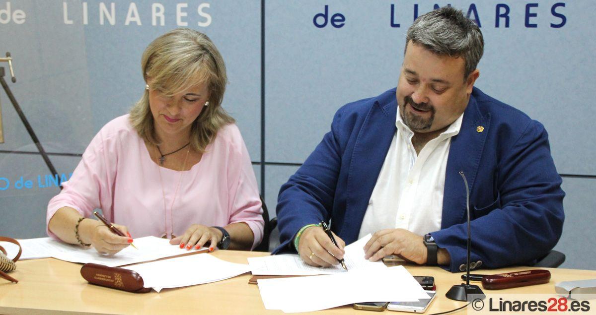 El Ayuntamiento firma un convenio con Cáritas