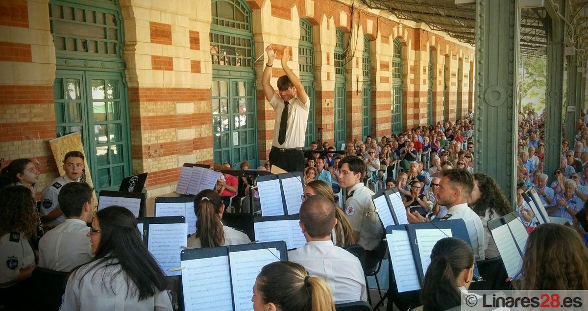 La Agrupación Musical se luce en su segundo concierto de Feria