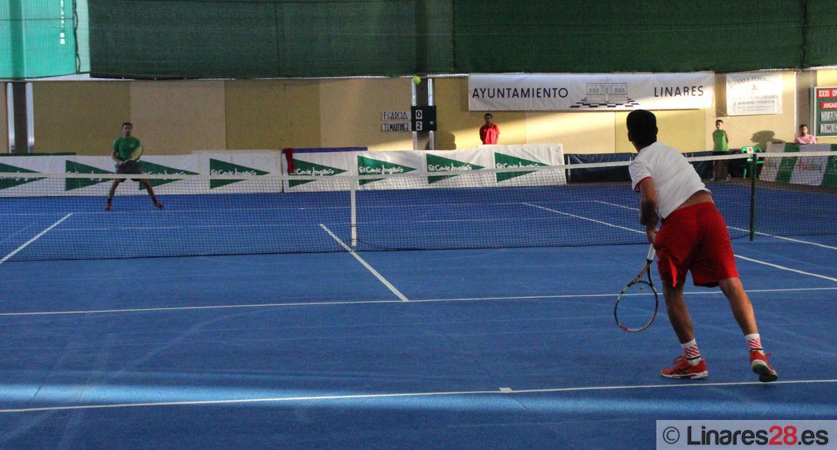 Tenis y solidaridad con Cáritas Interparroquial