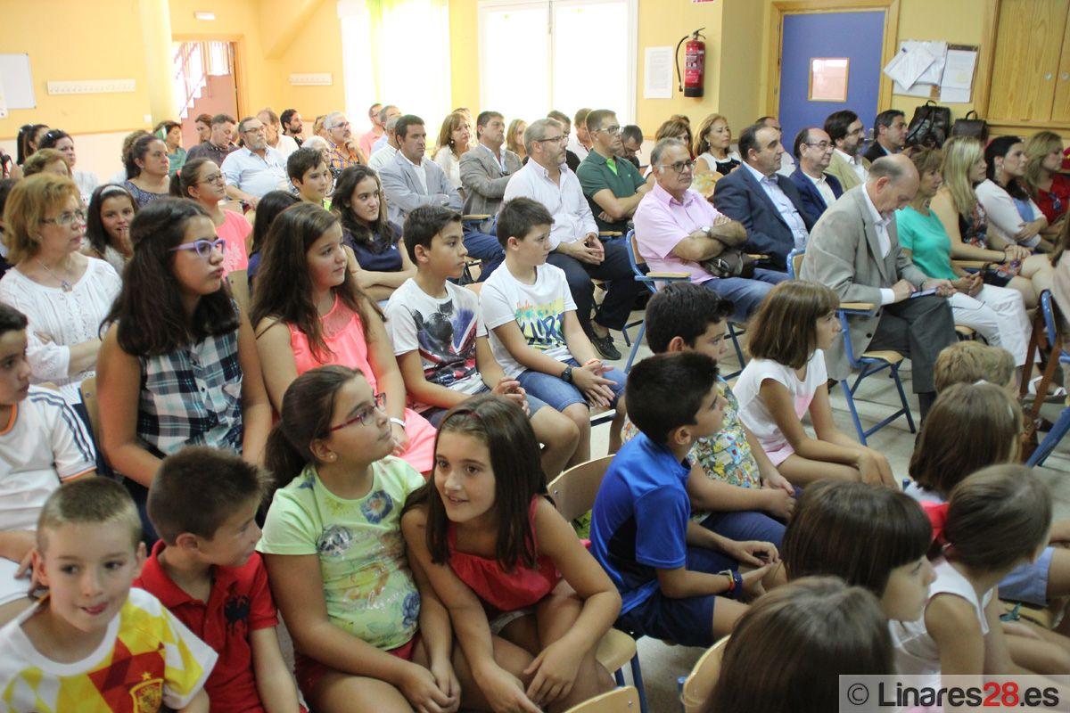 Acto de apertura del curso de primaria en el colegio Colón