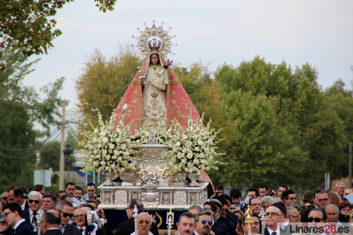 Santa María ya acoge a la Virgen de Linarejos