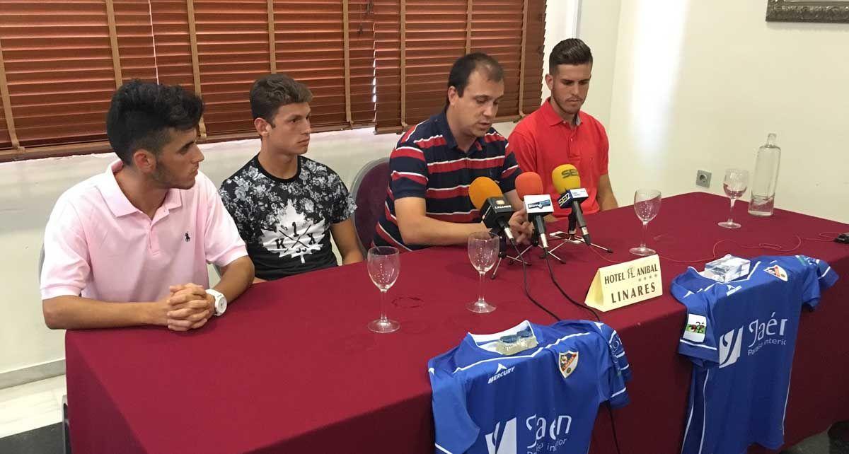 El Linares Deportivo presenta a sus últimos fichajes, Fermín, Canillas e Ismael
