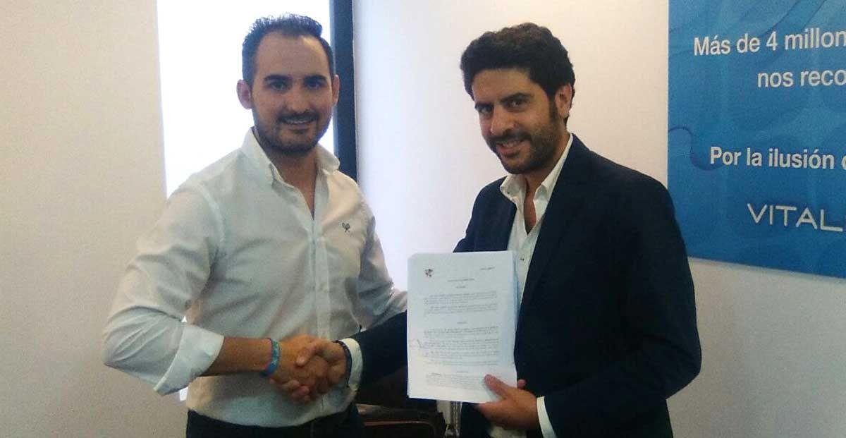 El acuerdo entre Vitaldent y el Linares Deportivo ofrece varias ofertas para los abonados del club