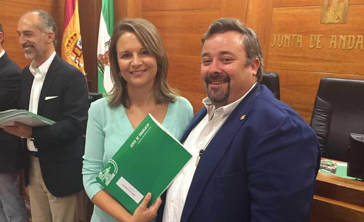 Ayuntamiento y Junta firman un convenio para la prestación de servicios en beneficio de la comunidad de menores infractores