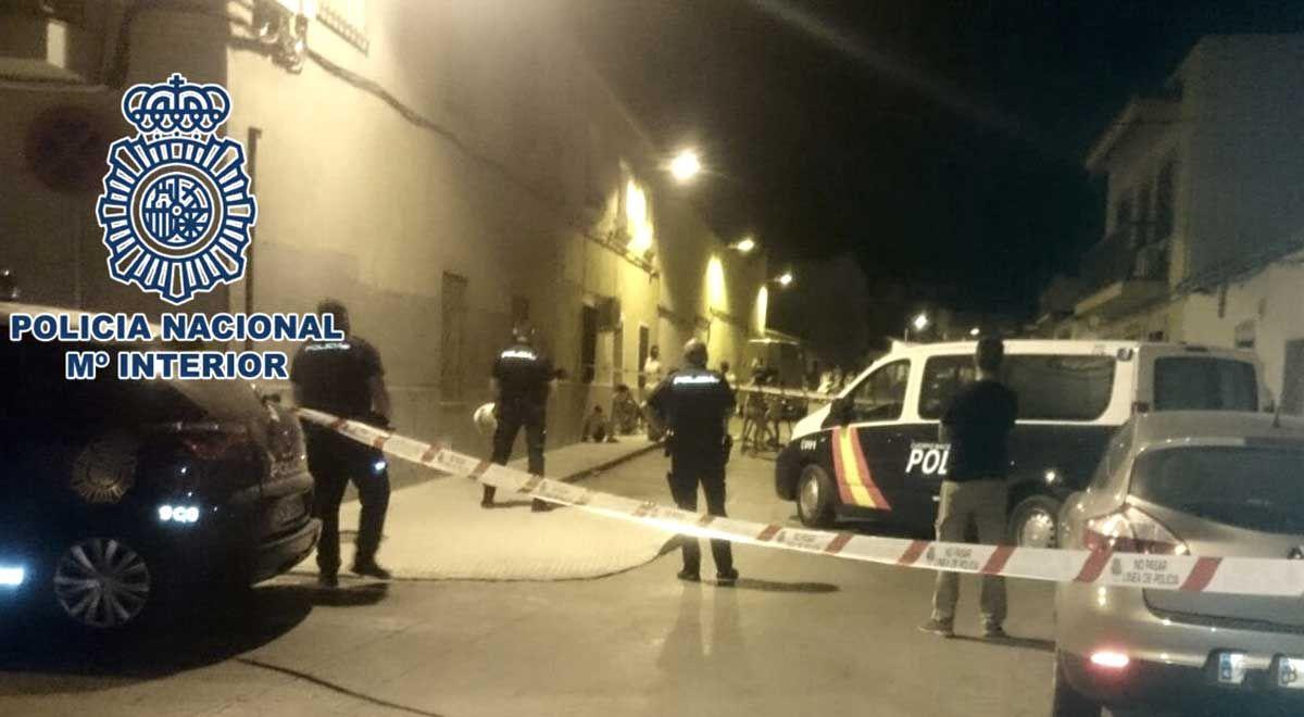 La Policía Nacional desmantela en Linares un invernadero en el interior de un inmueble de la zona del Madroñal