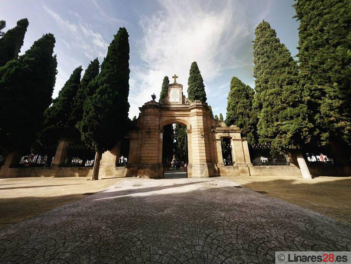 Los cementerios de Linares adaptan su horario por la festividad de Todos los Santos