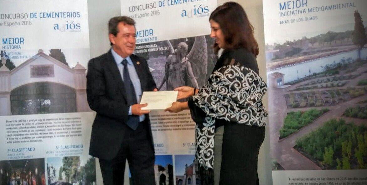 Reconocimiento a Linares por el monumento funerario de la Cripta del Hospital de los Marqueses