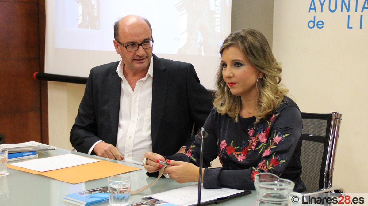 """Ana García Briones presenta su poemario """"Anida en mi ser"""""""