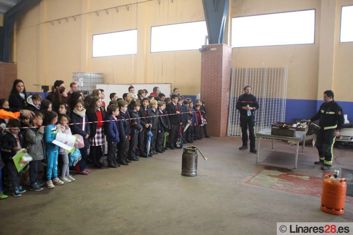 Cientos de escolares aprenden cómo enfrentarse a un incendio