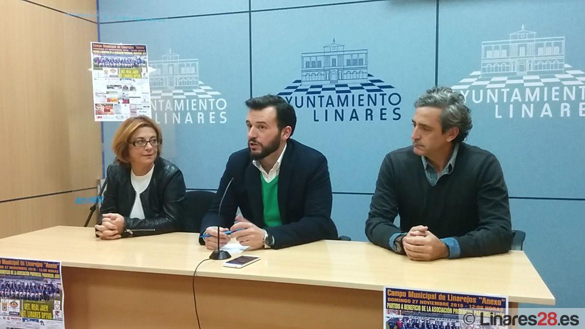 Veteranos del Linares Deportivo y el Real Jaén se enfrentan en un partido solidario