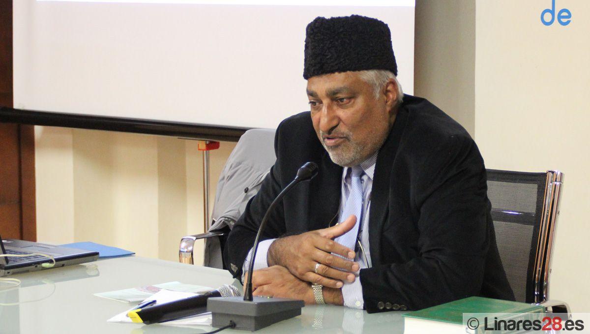 Imparten una charla sobre la Paz y Seguridad Mundial desde la perspectiva musulmana