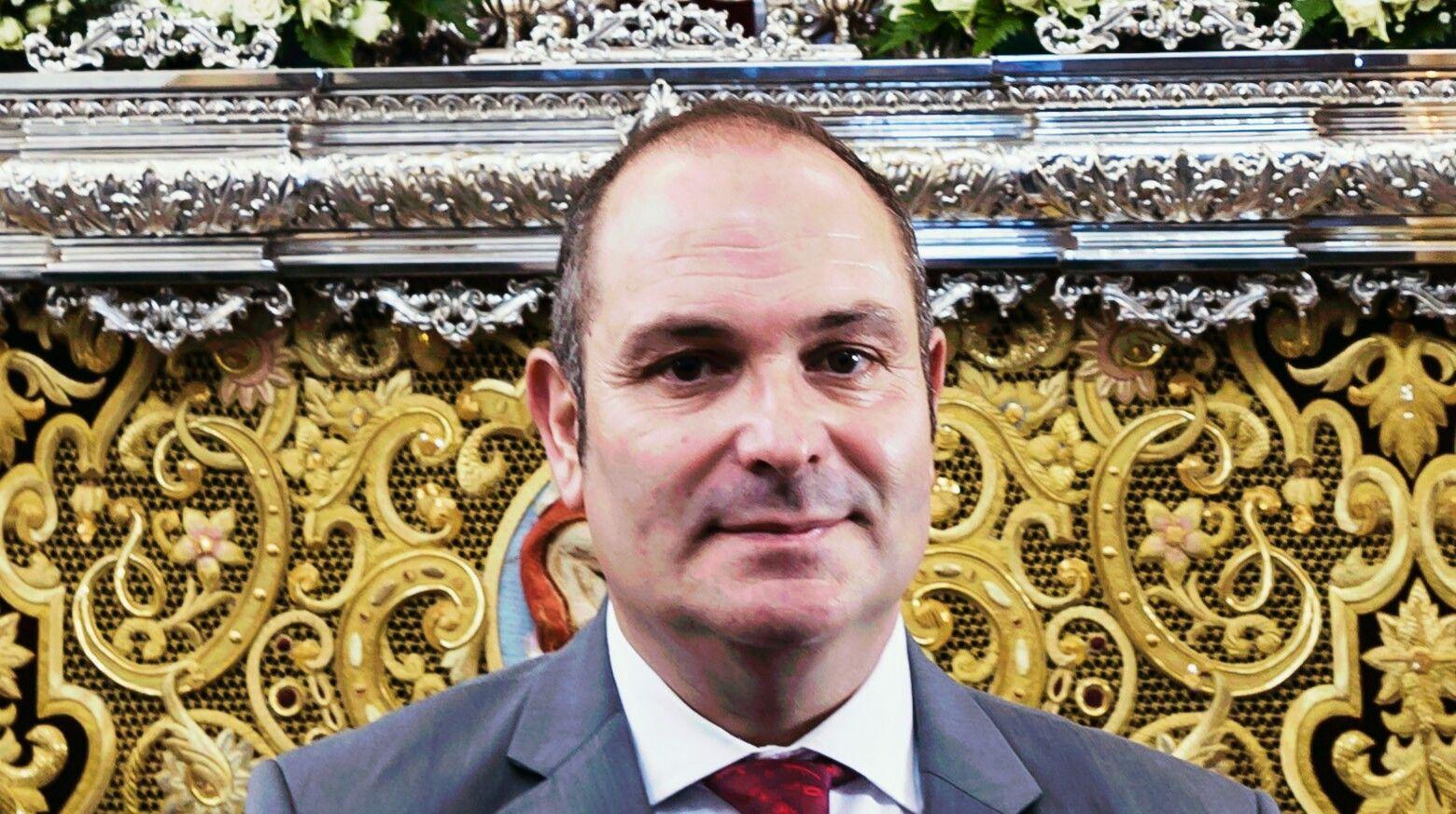 Víctor Jesús Olmedo Moreno elegido Pregonero de Glorias Linares 2017