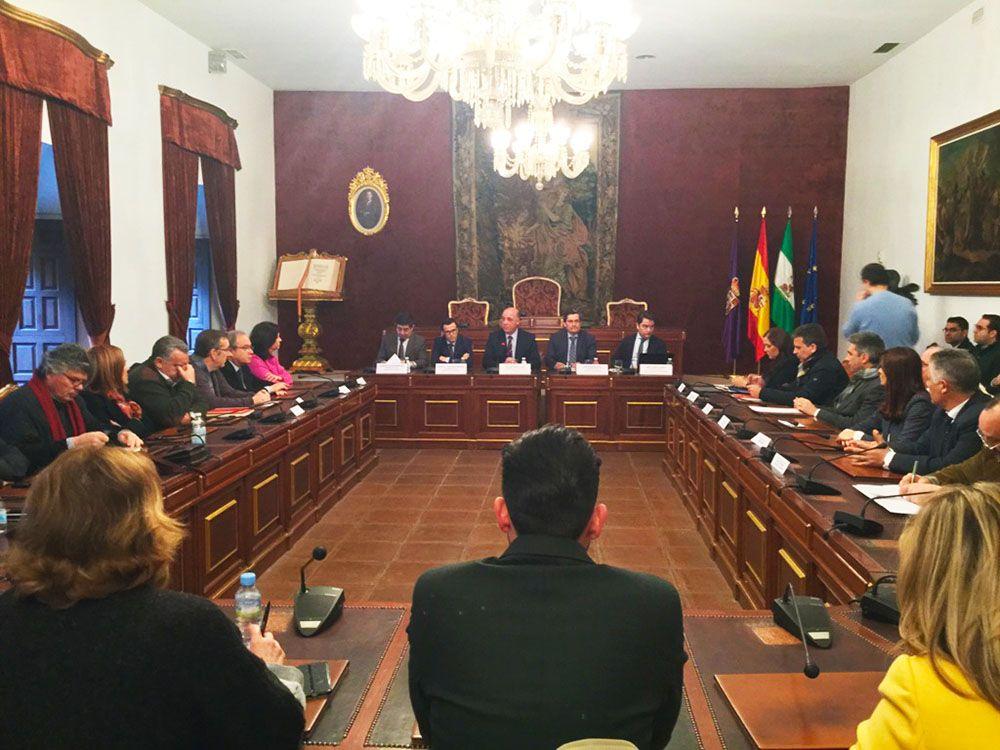 Reyes considera necesaria la conversión en autovía de la N-432 por motivos de seguridad y desarrollo económico
