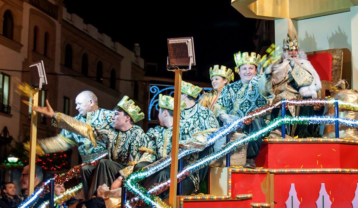 Los Reyes Magos traen ilusión a raudales a Linares