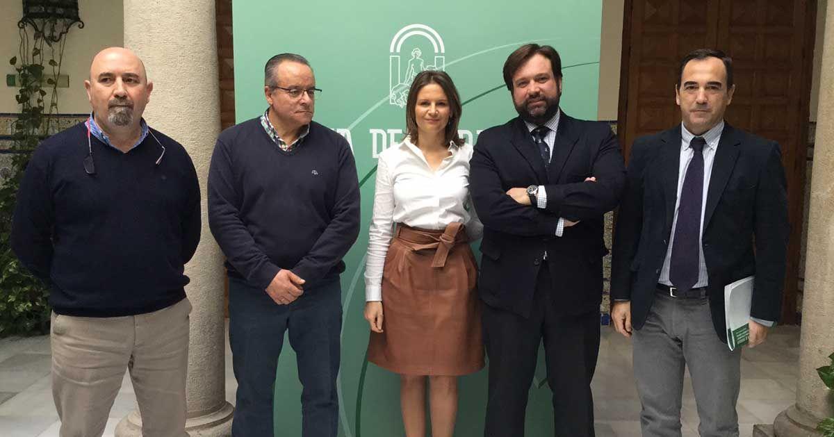 La Junta aboga por impulsar la industria en Jaén, fortaleciendo y siendo referentes en sectores como el AOVE o el plástico