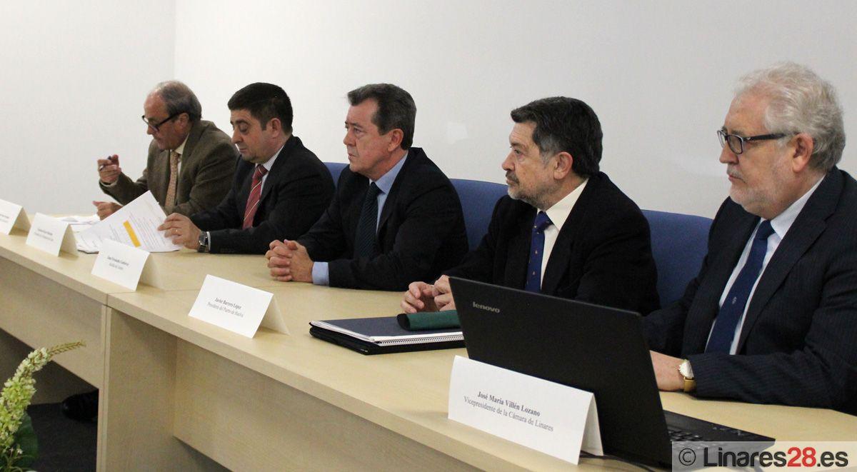 Linares acoge una jornada de presentación al empresariado jiennense de los servicios y empresas del Puerto de Huelva